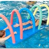 giochi con zattera galleggiante